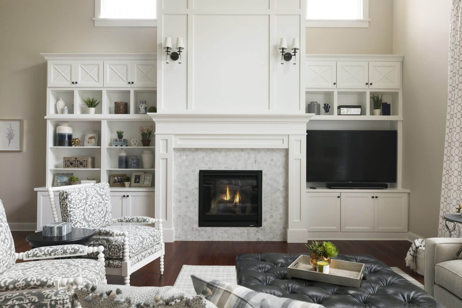 Two Story Woodbury Living Room Fireplace Design | Ispiri ...