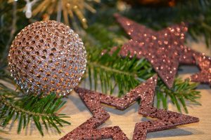 Holiday Decorating Trends Of 2017 To Brighten Up Your Home Ispiri